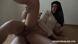 Arab Muslim girl Forbidden sex before marriage with bf Oral & riding Cock