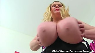 British BBW milf Samantha Sanders exposes her huge boobs
