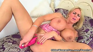 English milf Shannon Blue enjoys her new sex toy