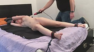 Tickle torture and feet tickle abused with Cathy Crown - Belgium porn star